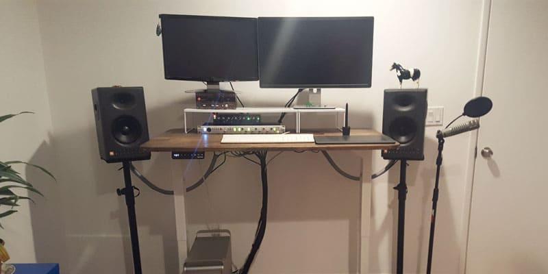 roneigen-standing-desk